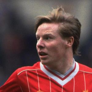 100 Pics Quiz LFC Icons Pack Level 16 Answer 1 of 5