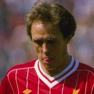 100 Pics Quiz LFC Icons Pack Level 10 Answer 1 of 5