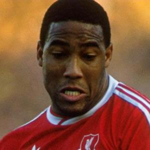 100 Pics Quiz LFC Icons Pack Level 2 Answer 1 of 5